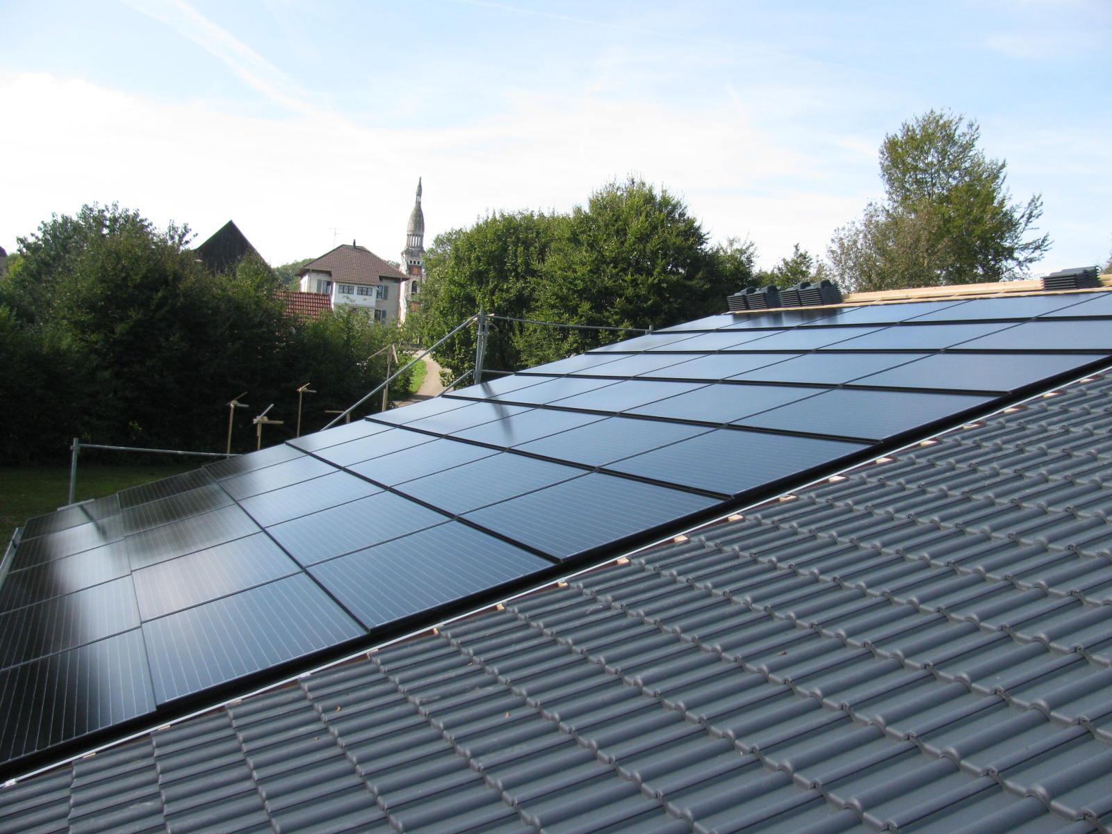 Koutec Sàrl - pose de panneaux solaires en Suisse