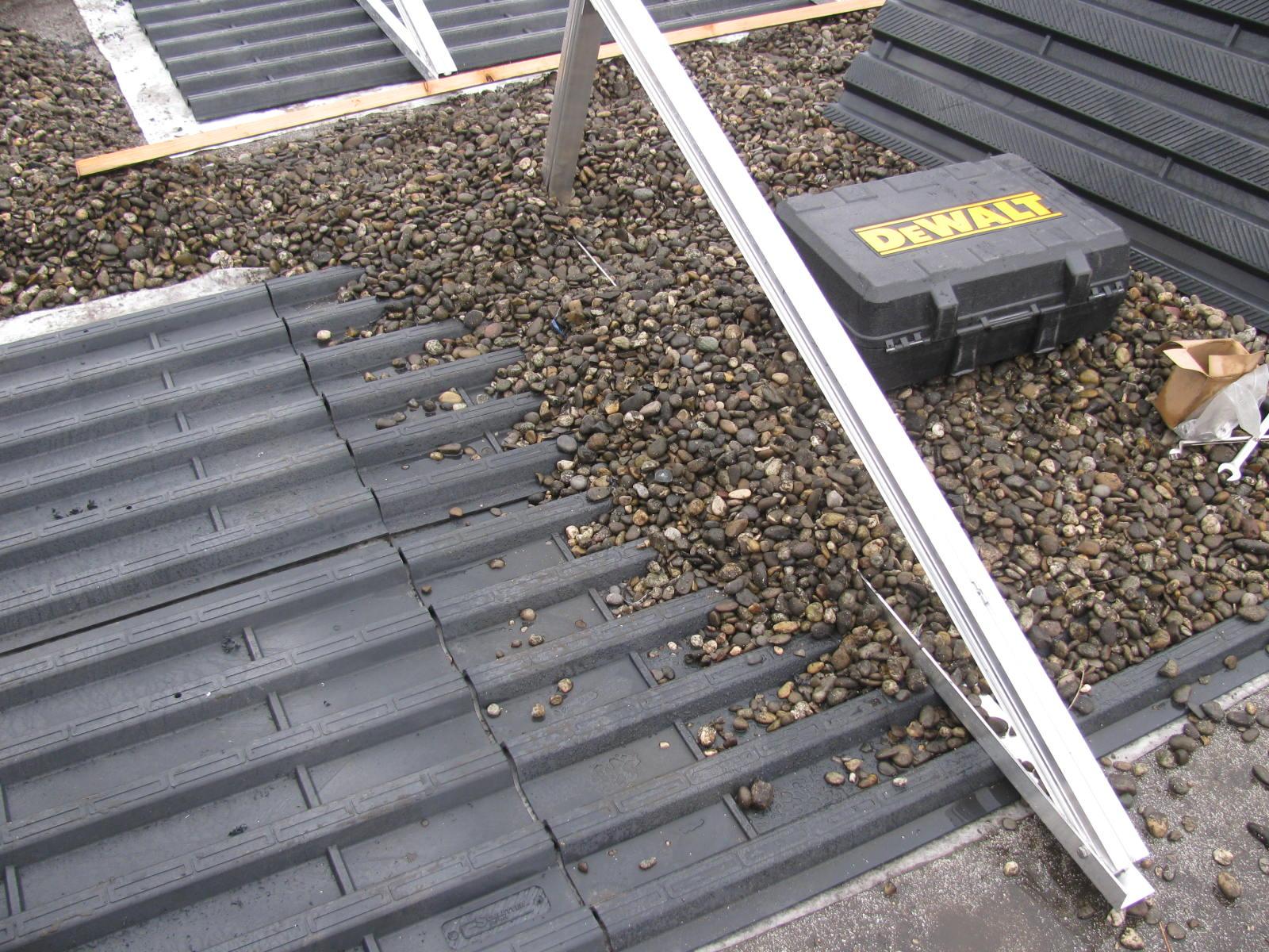 Koutec - pose de panneaux photovoltaïques